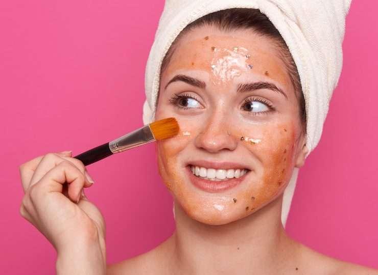apply anti-aging cream